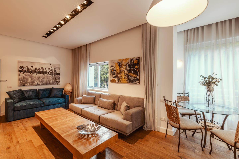 Gorgeous apartment on Rothschild blvd